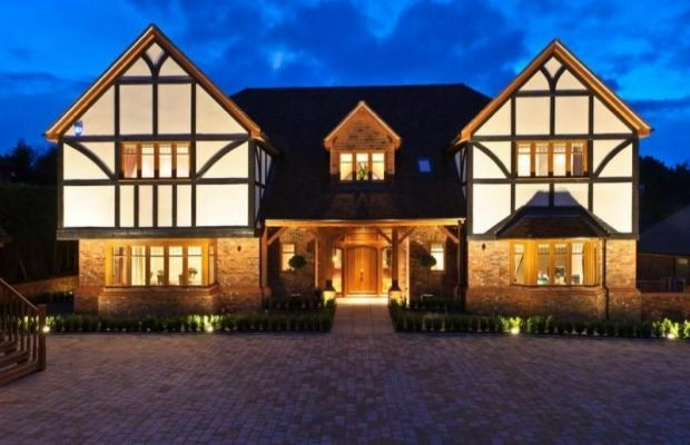 Flairlight designs outdoor lighting in epsom